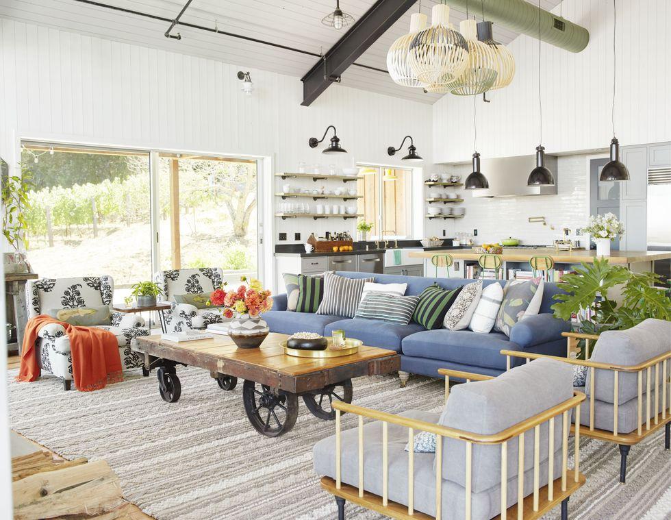 The Comfortable Cream Long Couch For Kids Room: Nechte Se Inspirovat Nejoblíbenějšími Kuchyňskými Trendy
